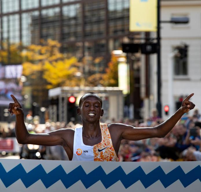 finish marathon Eindhoven winnaar Mutai Laban