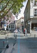 Alternatieve plek 1 voor de paal en camera: tegen de wegwijzer (links) aan.