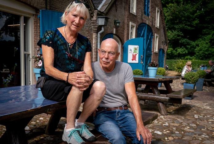 Ans van der Zweep en haar man Hans op Everswijngoed.