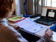"""Gentse scholen sturen laptops terug naar Vlaanderen. """"Fout systeem en vraagtekens over factuur"""""""