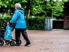 84-jarige Zwolse is Roemeense rovers te snel af en brengt zo justitie op een spoor van overvallen