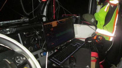 Trucker bouwt cabine om tot opnamestudio om al rijdend (!) muziek te produceren