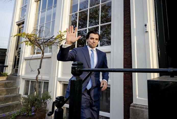 Thierry Baudet bij zijn woning in Amsterdam.