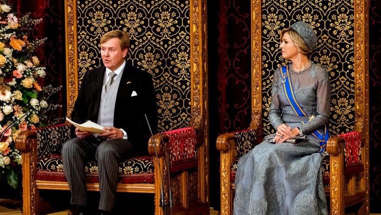 Koning Willem-Alexander leest, met aan zijn zijde koningin Maxima, de troonrede voor op Prinsjesdag aan leden van de Eerste en Tweede Kamer in de Ridderzaal Beeld anp