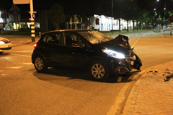Ongeval op de kruising Engelseweg/Churchilllaan in Helmond.