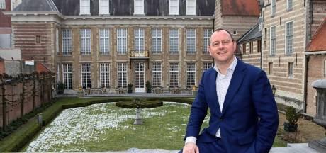 Zieke wethouder Van der Weegen langer thuis