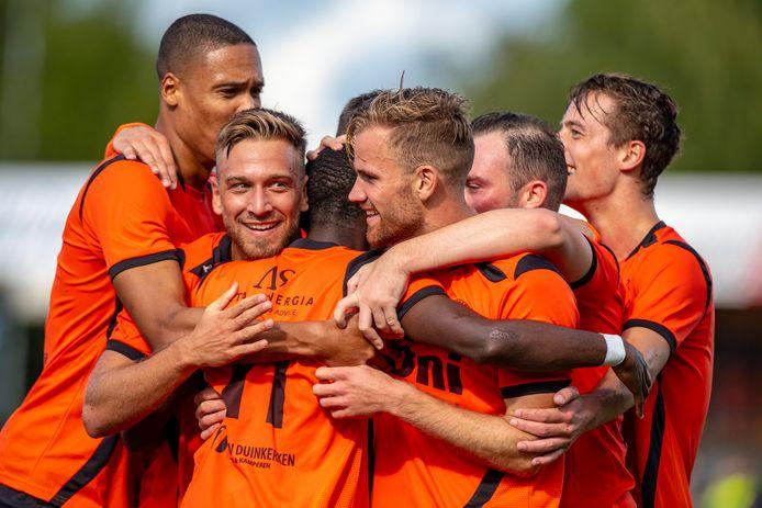Sparta Nijkerk is nog ongeslagen in de derde divisie en ontvangt zaterdag koploper DVS'33, dat één wedstrijd meer gespeeld heeft.