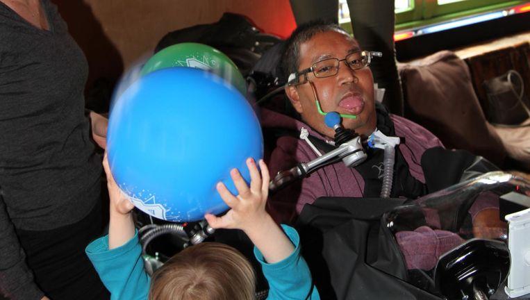Rogier Borst in Pacific Parc op zijn verjaardagsfeest voor zijn veertigste. Beeld Ad Nuis