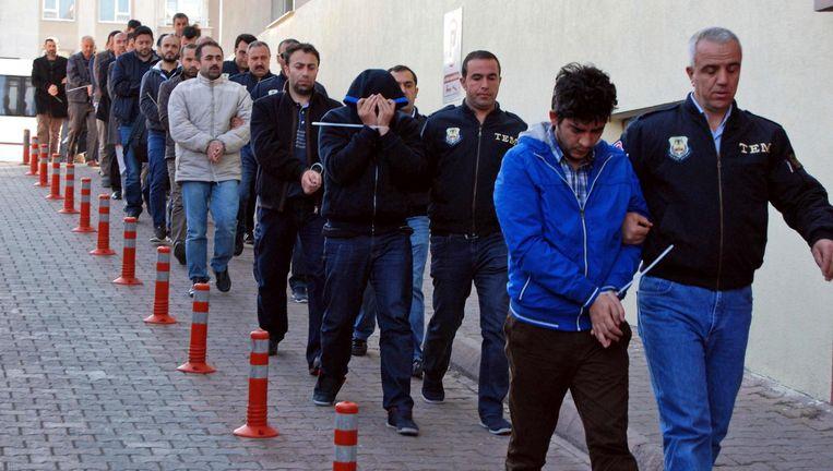 Honderden Turken werden woensdag opgepakt vanwege vermeende links met Fethullah Gülen, politiek opponent van Erogan. Beeld ap