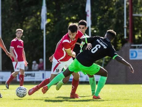 AZSV simpel langs FC Zutphen in Achterhoek Cup; Silvolde met hakken over de sloot