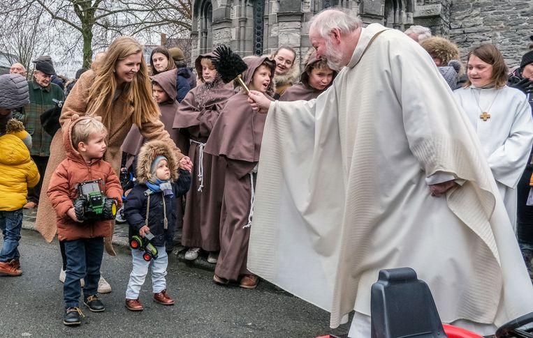 Rollege Sint-Antonius viering en tractorwijding