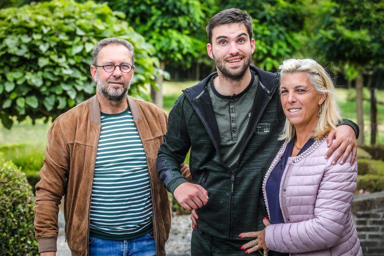 Jannes Bousson, zijn vader Yannick en moeder Marleen geven niet op.
