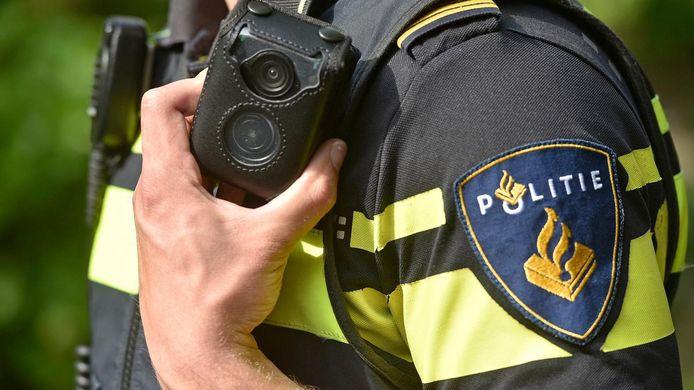 De politie trof in de auto twaalf gram coke en twee gram heroïne aan.
