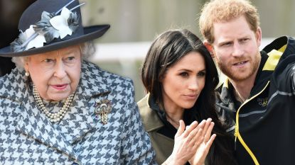 """'Megxit'-spanningen bereiken nieuw hoogtepunt: """"Queen is kapot van verdriet en wil prins Harry redden"""""""