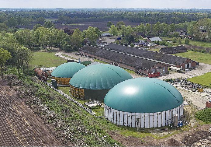 Luchtfoto van een paar jaar geleden van het terrein van Jennissen in Nistelrode.