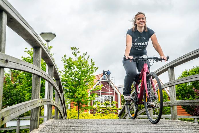 Ellemieke Wagenaar Hummelinck fietst Cycle for Plan