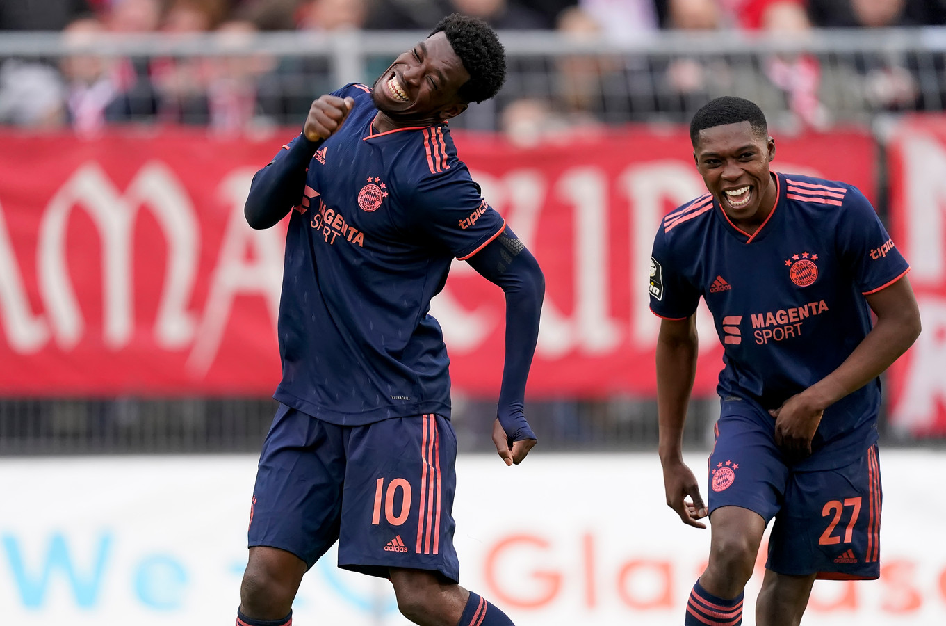 (Kwasi Okyere Wriedt en Derrick Köhn weten nog niet of ze het seizoen bij Bayern kunnen afmaken.