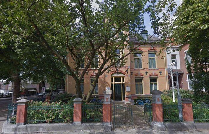 Het gebouw van de rechtbank aan de Oranjesingel in Nijmegen.