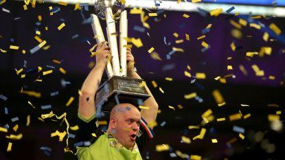 """VIDEO. Dartsfenomeen Michael Van Gerwen derde keer wereldkampioen: """"De mooiste titel"""""""