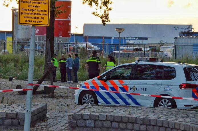 Overleden persoon gevonden in het water in Bergen op Zoom.