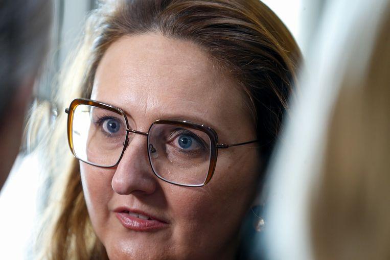 Klare wijn, eist Open Vld-voorzitster Gwendolyn Rutten van Bart De Wever. Maar bij hem blijft het voorlopig stil.