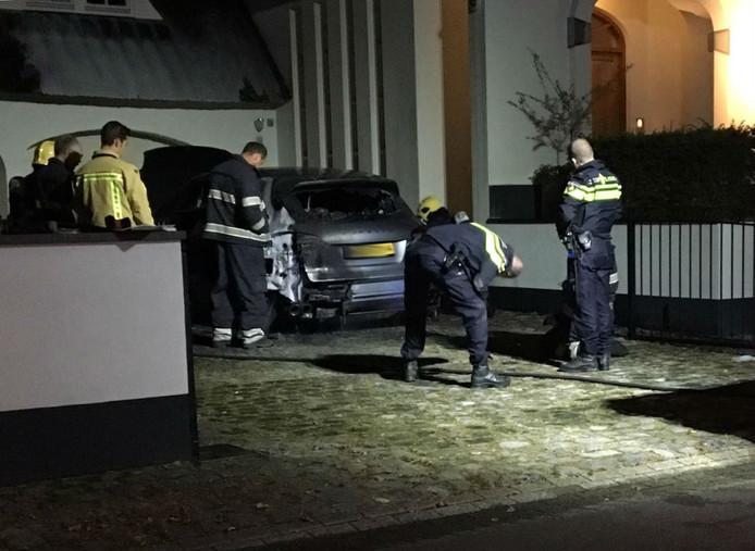 Autobrand aan Marten Frans Elkerboutlaan in Eindhoven.