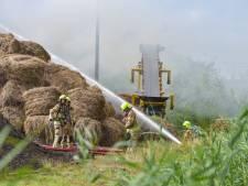 Smeulende brand in hooiberg is voorlopig nog niet voorbij