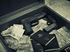 Criminelen kopen diplomatieke paspoorten voor 15.000 tot 20.000 euro: 'Bij controle loop je zo door'
