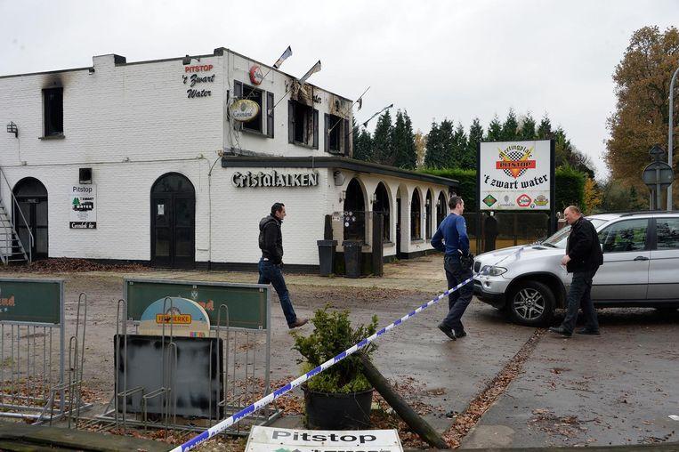 Café 't Zwart Water, daags na de brand op 22 november 2013.