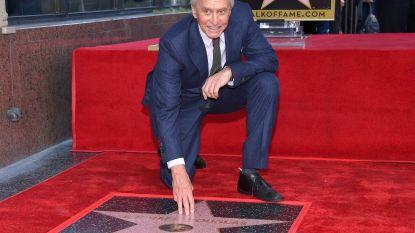 Michael Douglas heeft nu ook een ster op de Walk of Fame