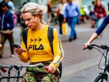 Minder mensen gebruiken mobieltje op de fiets sinds appverbod