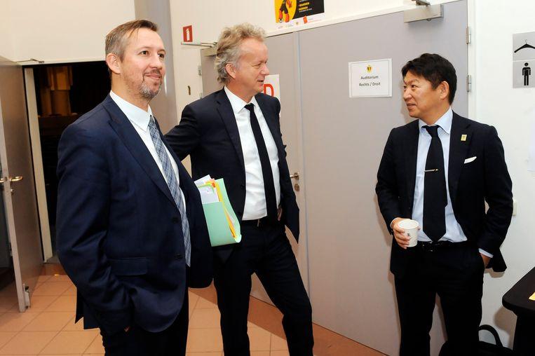 David Meekers (midden) daagde op voor STVV.