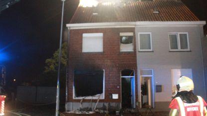 Woning volledig vernield na nachtelijke uitslaande brand