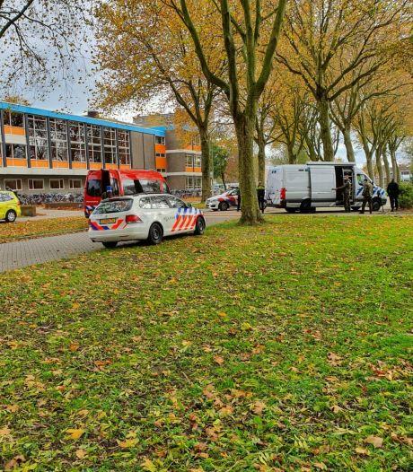 Drie lokalen Ichthus Kampen ontruimd vanwege auto vol zwaar vuurwerk