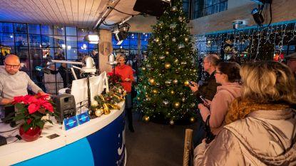 Radiozender Joe opent kersthuis op de Grote Markt van Antwerpen