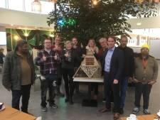 Nieuw insectenhotel voor de gemeente: 'Voorrang aan insecten en groen in regio'