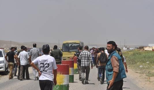 Yezidi's uit Sinjar slaan massaal op de vlucht voor IS.