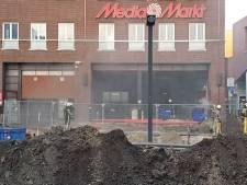 MediaMarkt in Enschede blijft voorlopig dicht na brand in magazijn