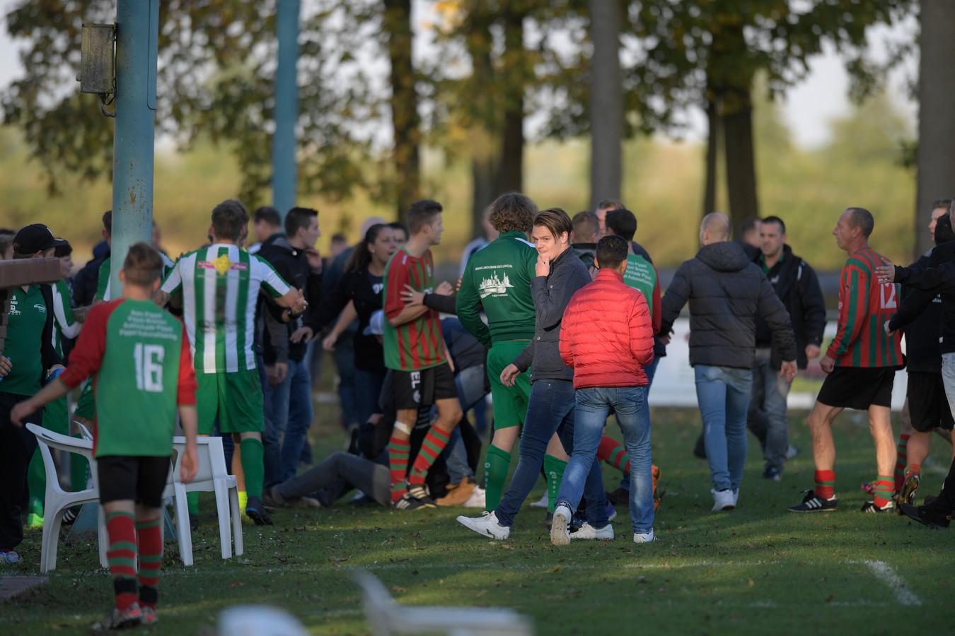 Het incident op het veld in Haaften op archiefbeeld.