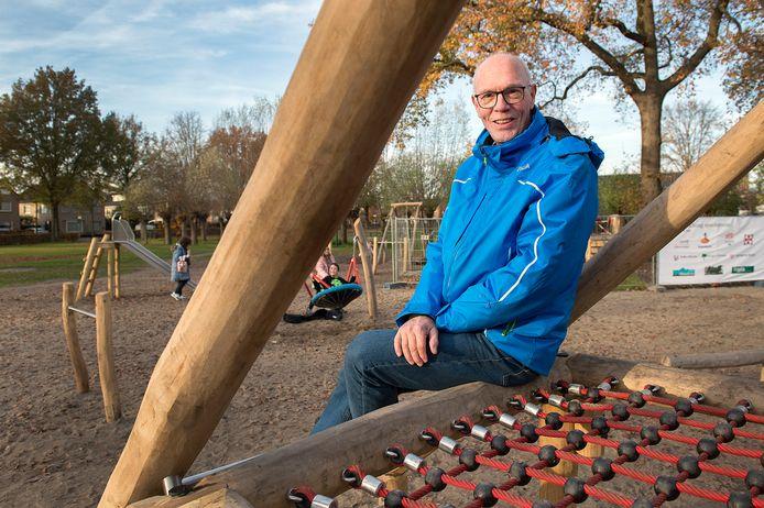 """Leo Suijker is de initiator van de nieuwe speeltuin met een natuurlijke uitstraling op het terrein van de Pekhoeve in Ulvenhout. ,,Het resultaat is prachtig."""""""