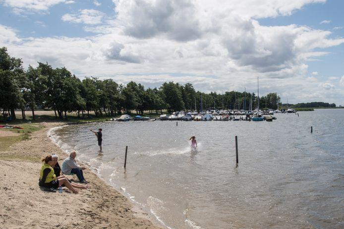 Uit recente metingen blijkt dat het zwemwater bij camping De Oude Pol in Hulshorst helemaal in orde is.