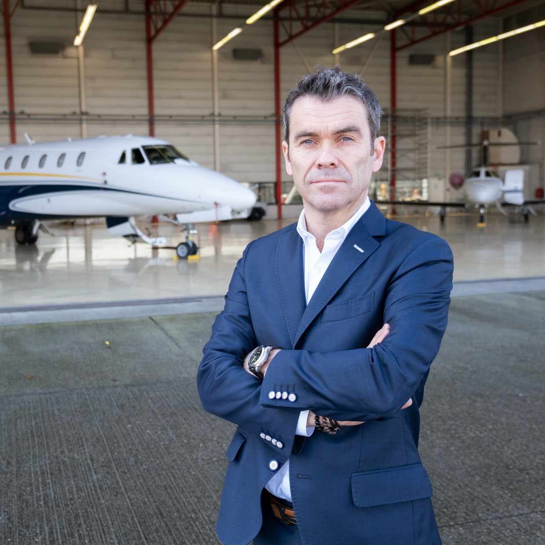 Ronald Sikora, directeur van JetNetherlands:  'Vertrekken kan nog snel. Op afroep stijgen we op binnen een uur.' Beeld Sabine van Wechem