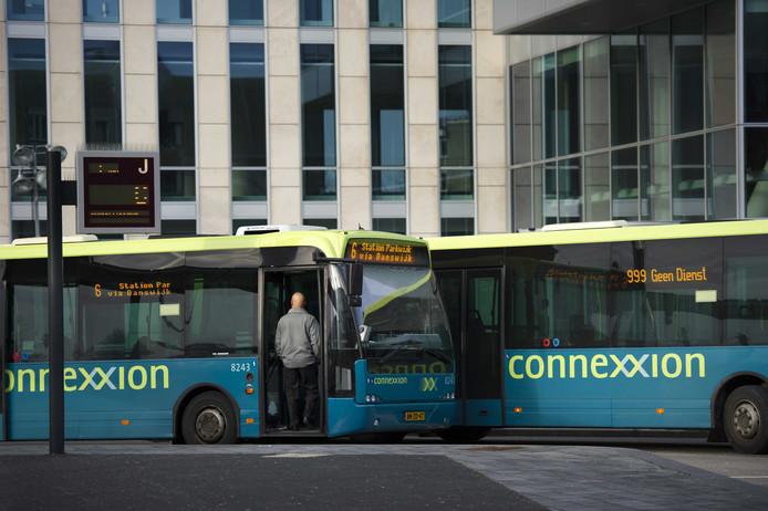 Ook de buschauffeurs van vervoerder Connexxion staken.
