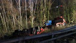 Truck stort naar beneden in Antwerpse haven