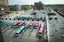 Het busstation op het Stationsplein in Nijmegen.