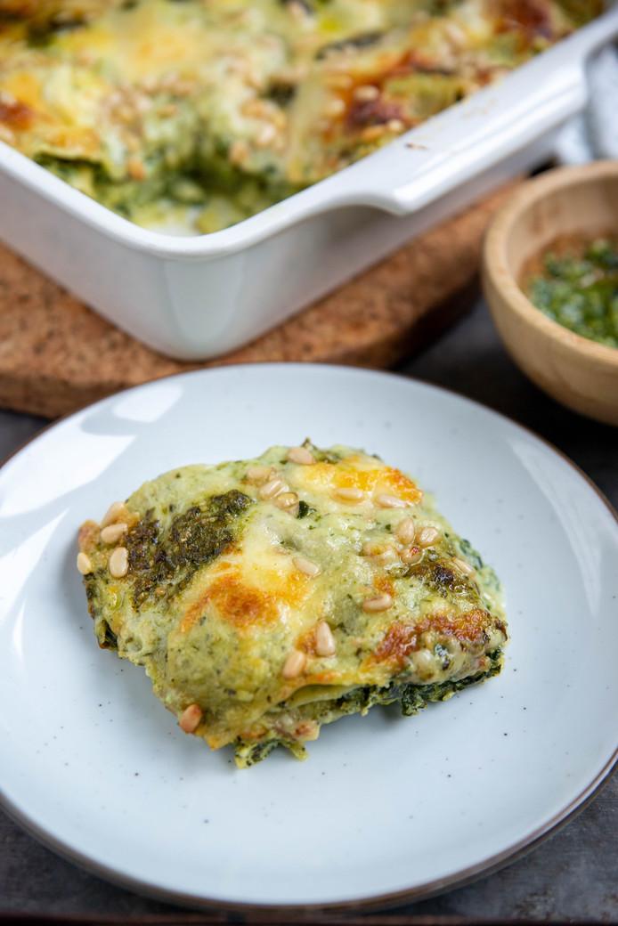 Groene lasagne met pestosaus, broccoli en spinazie
