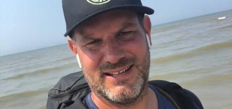 Zie je Helmondse Jorik lopen op het strand? Hij lust vast een ijsje