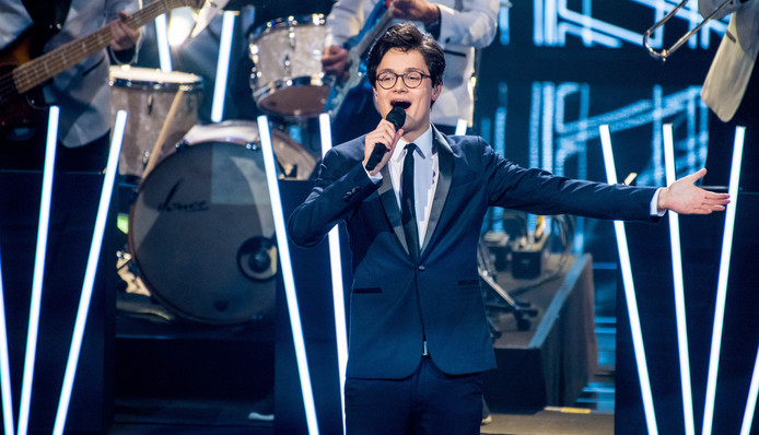 Dennis van Aarssen tijdens de finale van The Voice of Holland.