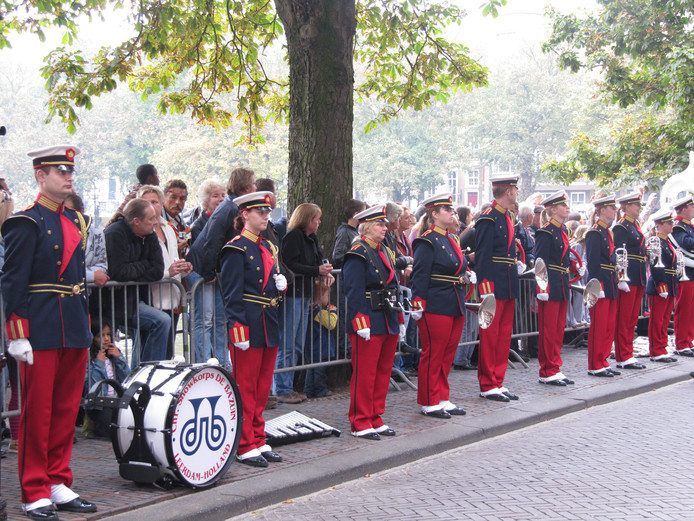 Ook muziekverenigingen vormden in het verleden al eens de erehaag op Prinsjesdag, zoals dit korps in Leerdam. Dit jaar zijn 200 zorgzame Brabanders aan de beurt.