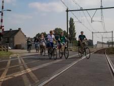 Buurt spoorwegovergang Orthen verbaasd: 'zonder overleg is er ineens een vierde variant'